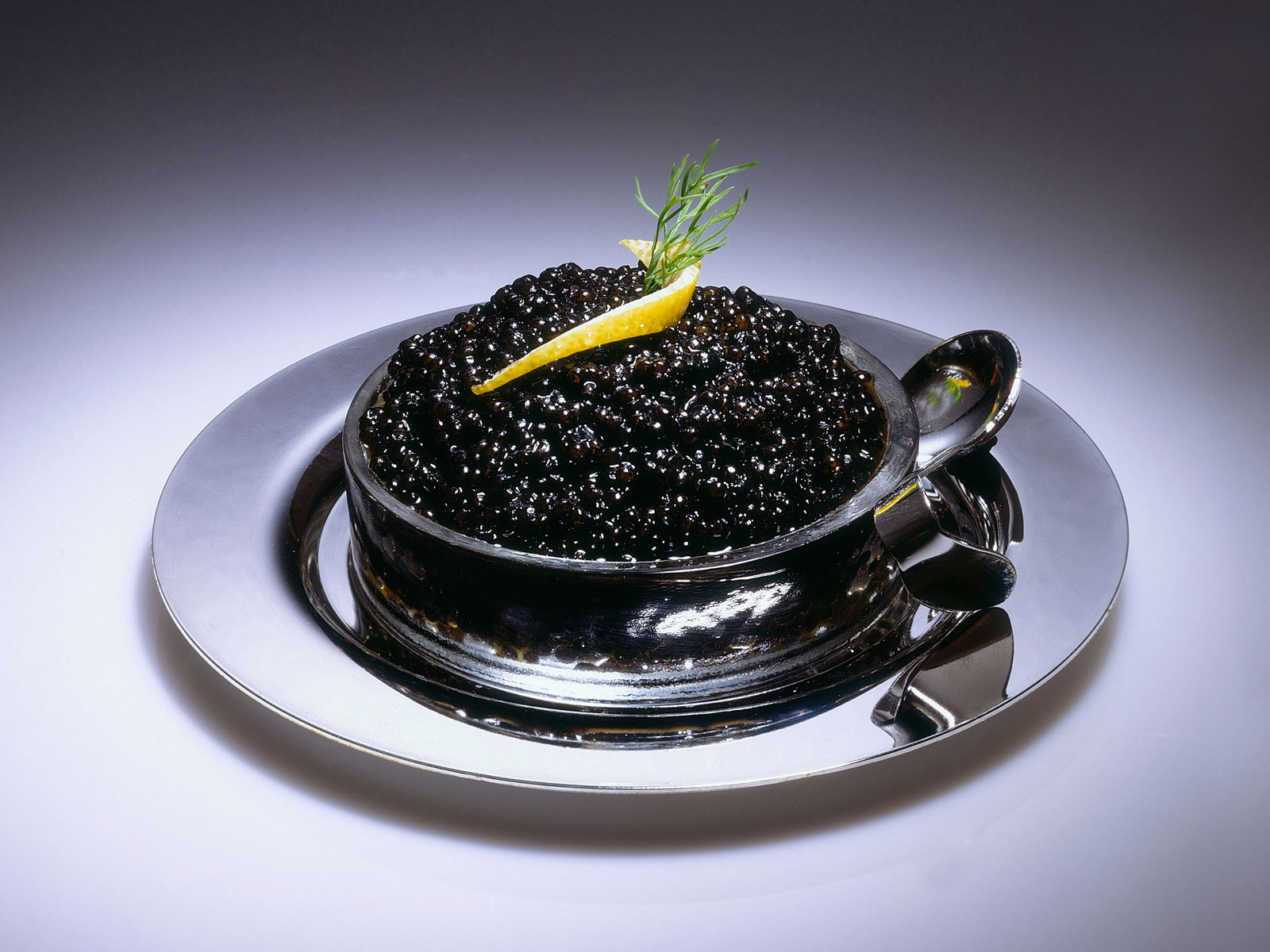 Caviar-Infused Gin Is Available at This Michelin-Starred British Restaurant