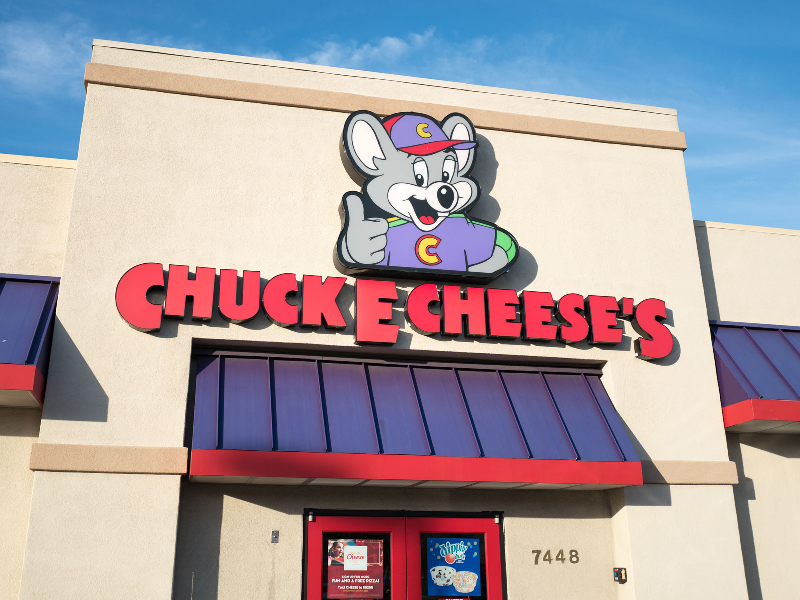 Chuck E. Cheese's Refutes Recycled Pizza Conspiracy