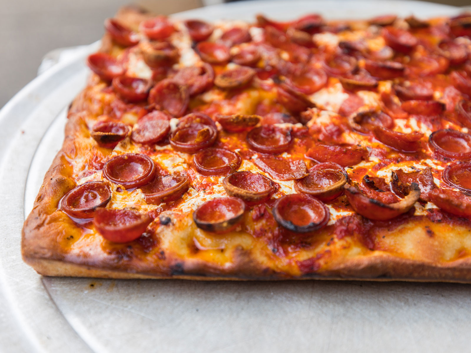 New York's Iconic Pepperoni Pizza Is in L.A. This Weekend