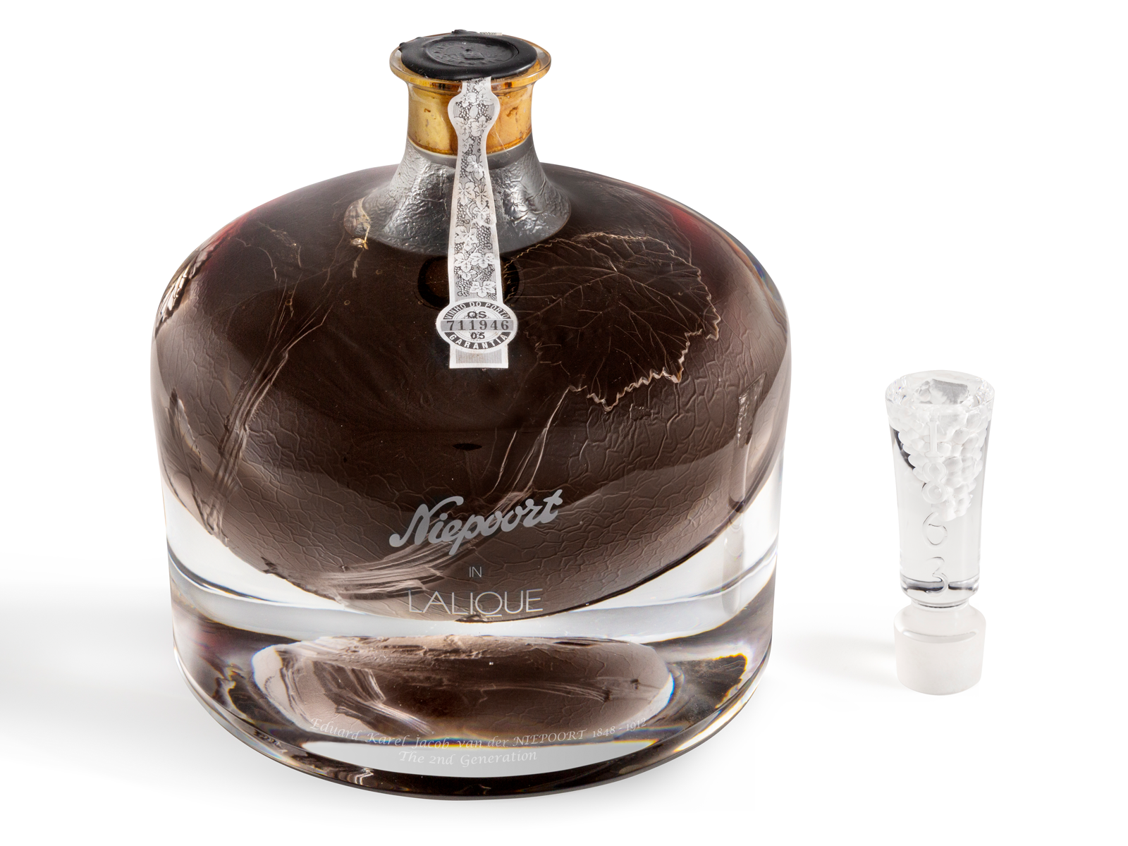 156-Year-Old Port In Lalique Crystal Decanter Sets World Record at Auction