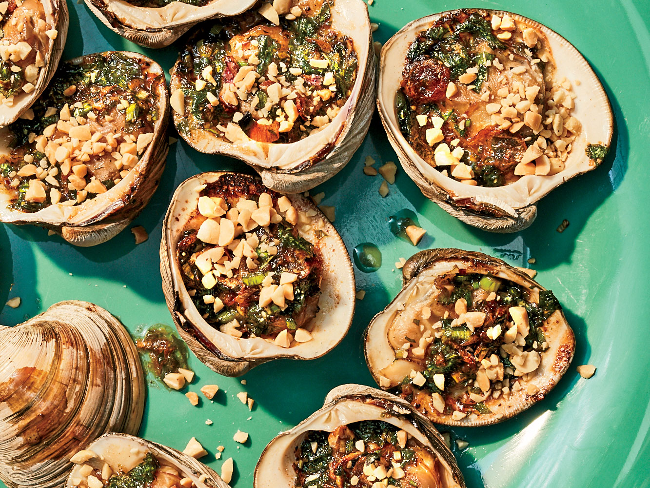 Vietnamese Grilled Clams with Oyster Sauce and Peanuts