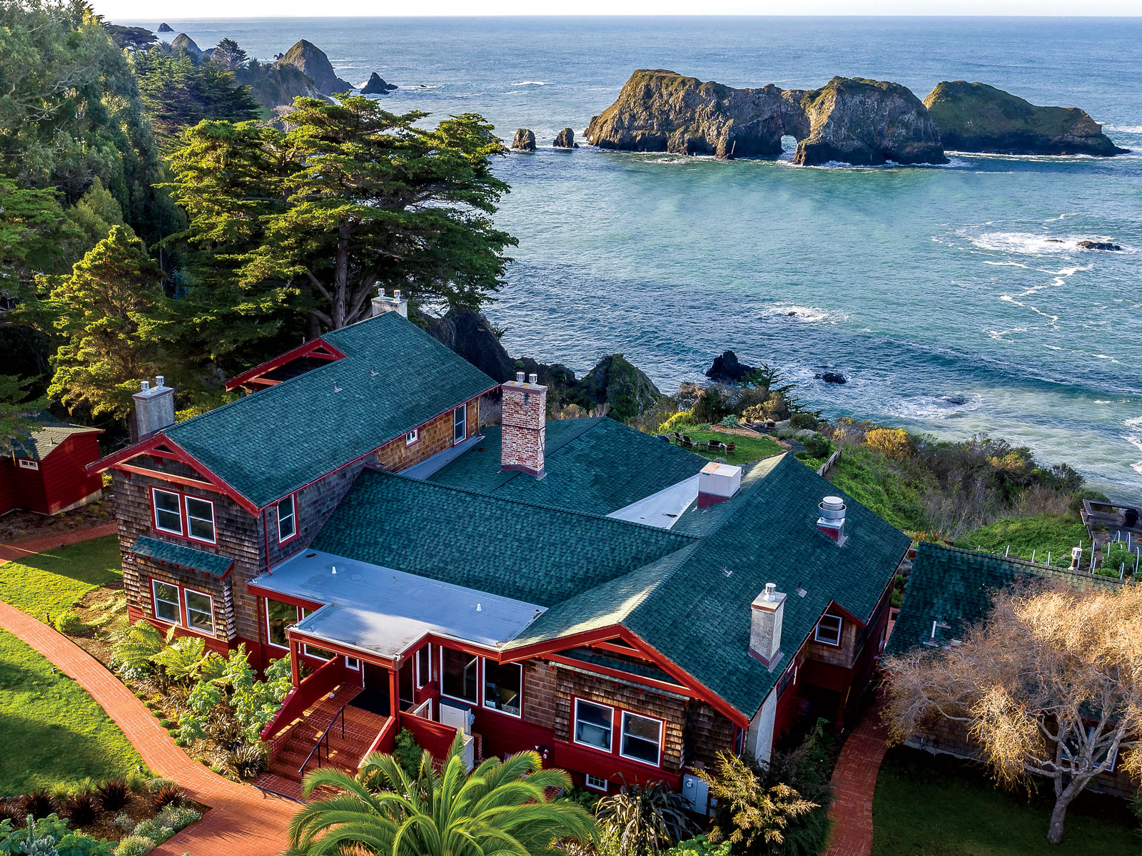 How Chef Matthew Kammerer Makes Magic with Seaweed at Elk's Harbor House Inn