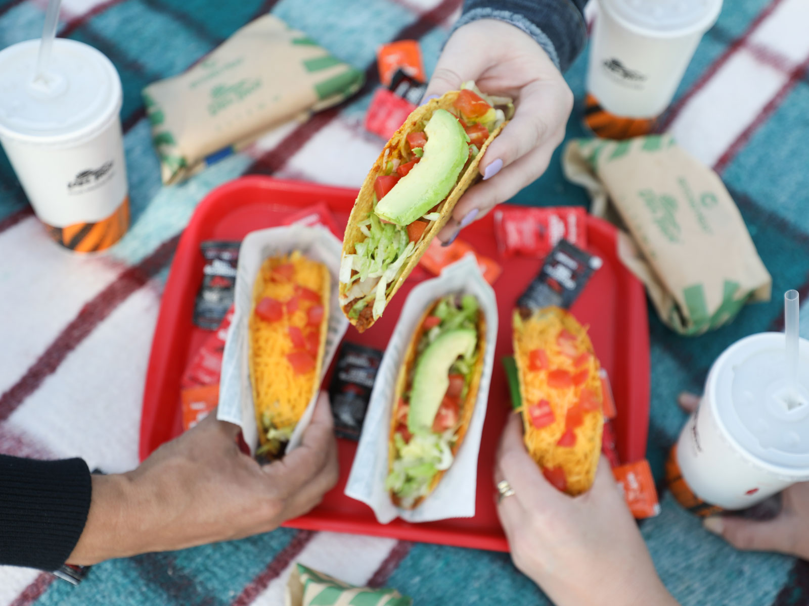 Del Taco to Add Beyond Meat Plant-Based Crumbles Nationwide