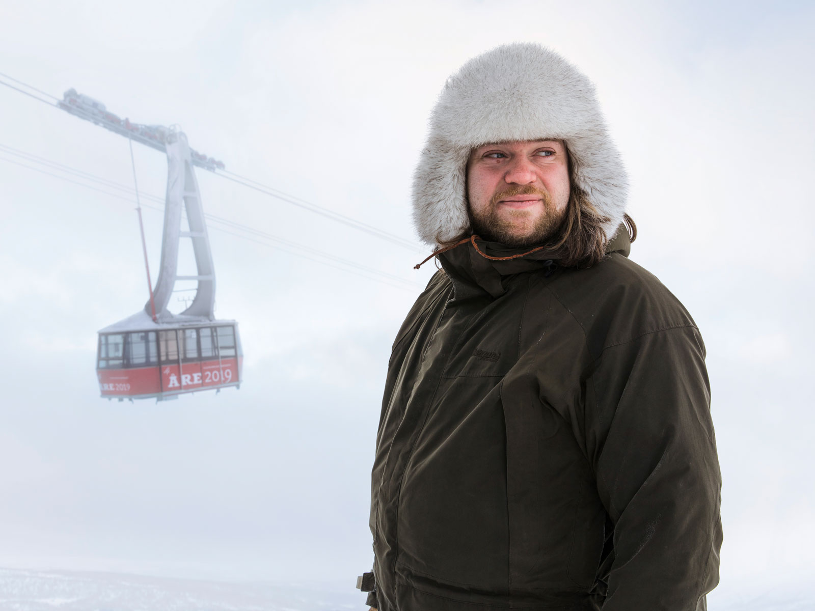 Top Swedish Chef to Serve Easter Dinner in a Gondola 4,000 Feet Above Ground