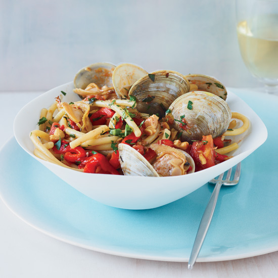 HD-201307-r-jody-adams-bucatini-with-clams-and-red-peppers.jpg