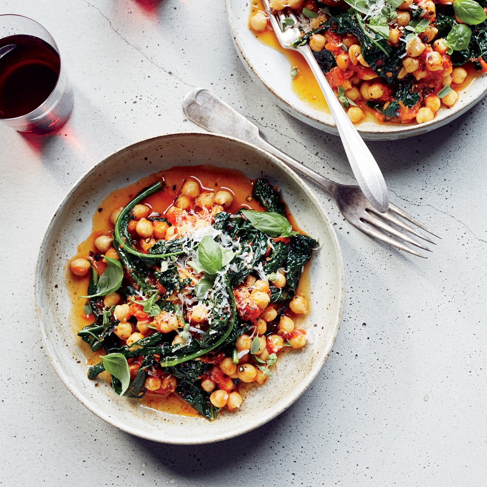 Chickpeas and Kale in Spicy Pomodoro Sauce