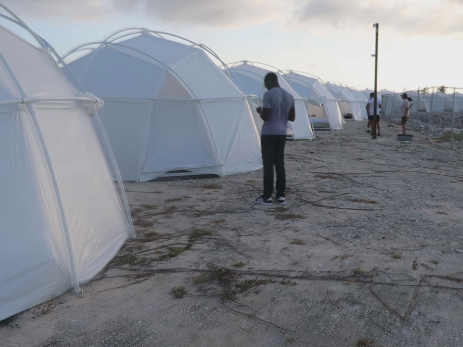 Chicago Pop-Up Bar Lets You Experience Fyre Fest Without All the Fraud