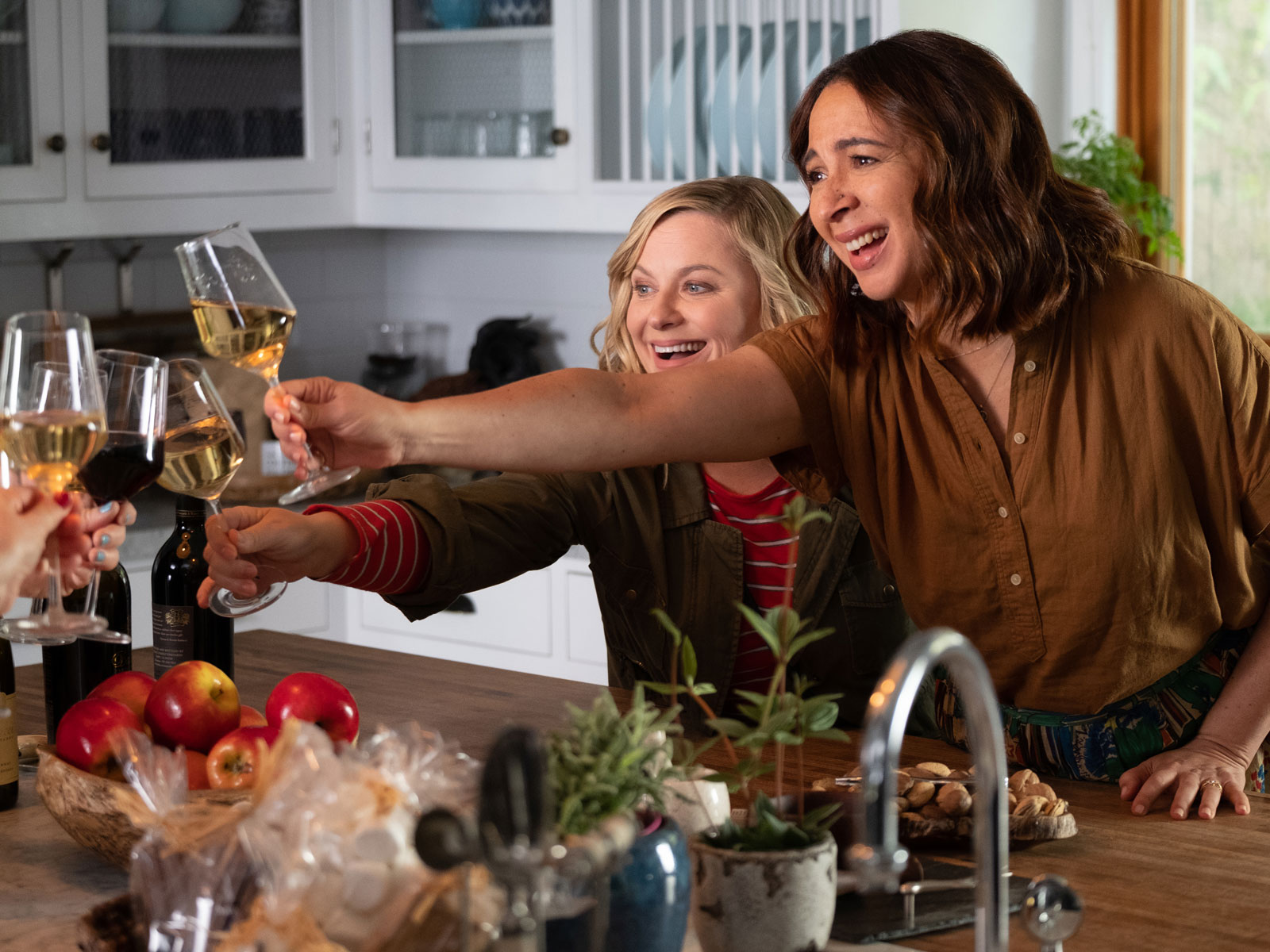 Amy Poehler's 'Wine Country' Movie Finally Has a Trailer