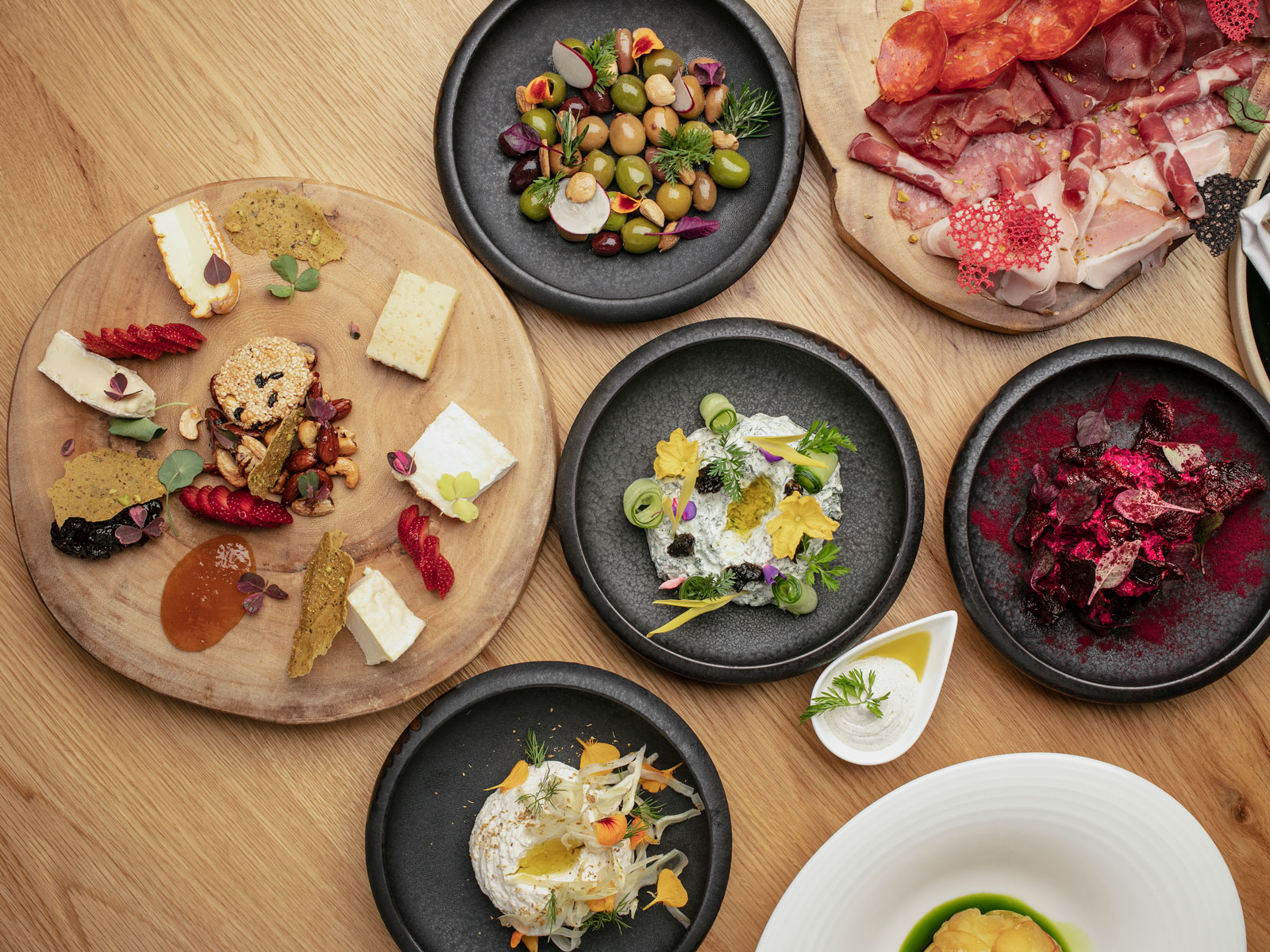 Le Grand Is Downtown L.A.'s Mediterranean Seafood Restaurant for the Masses