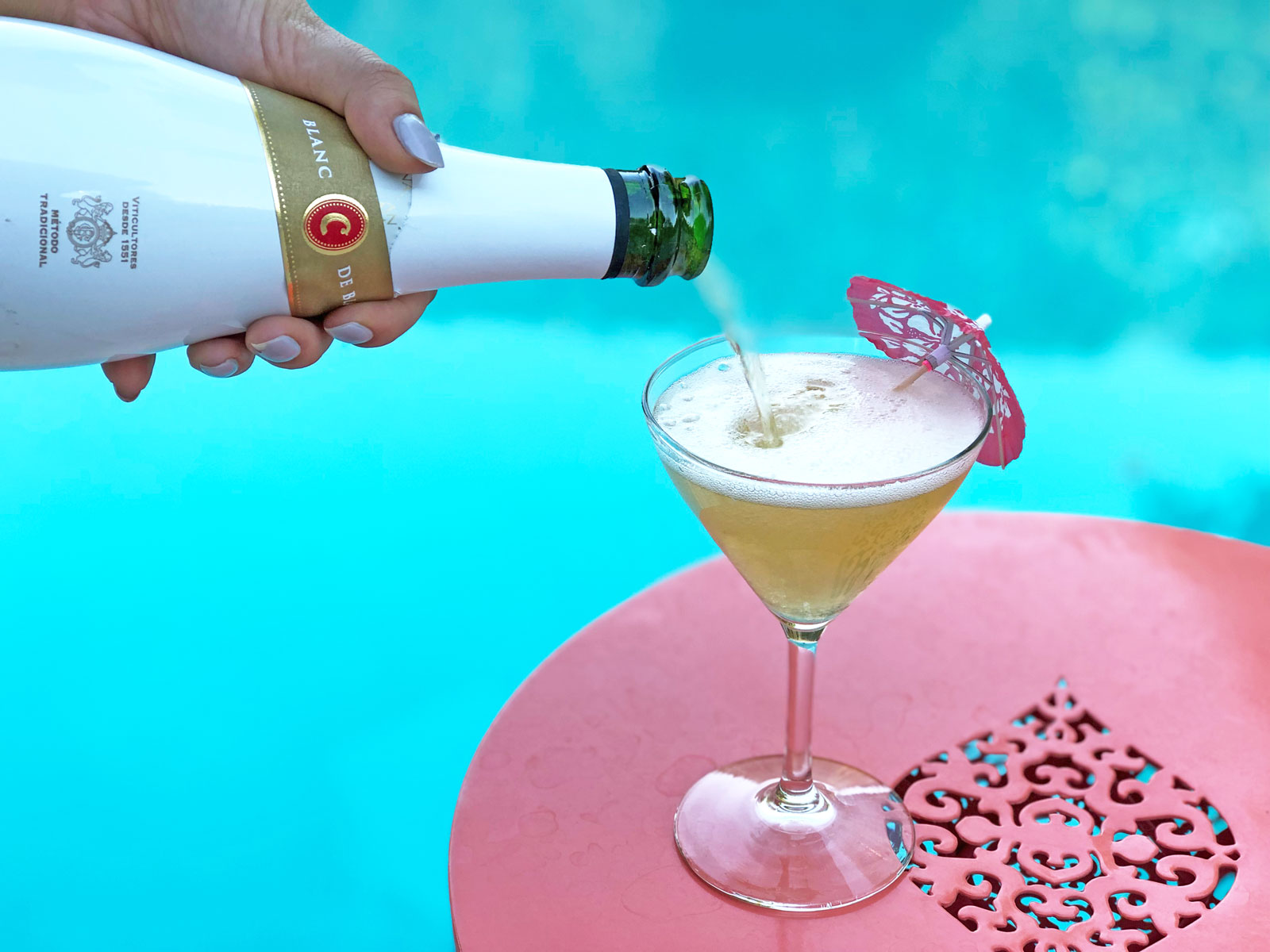 poolside bubbly drinks