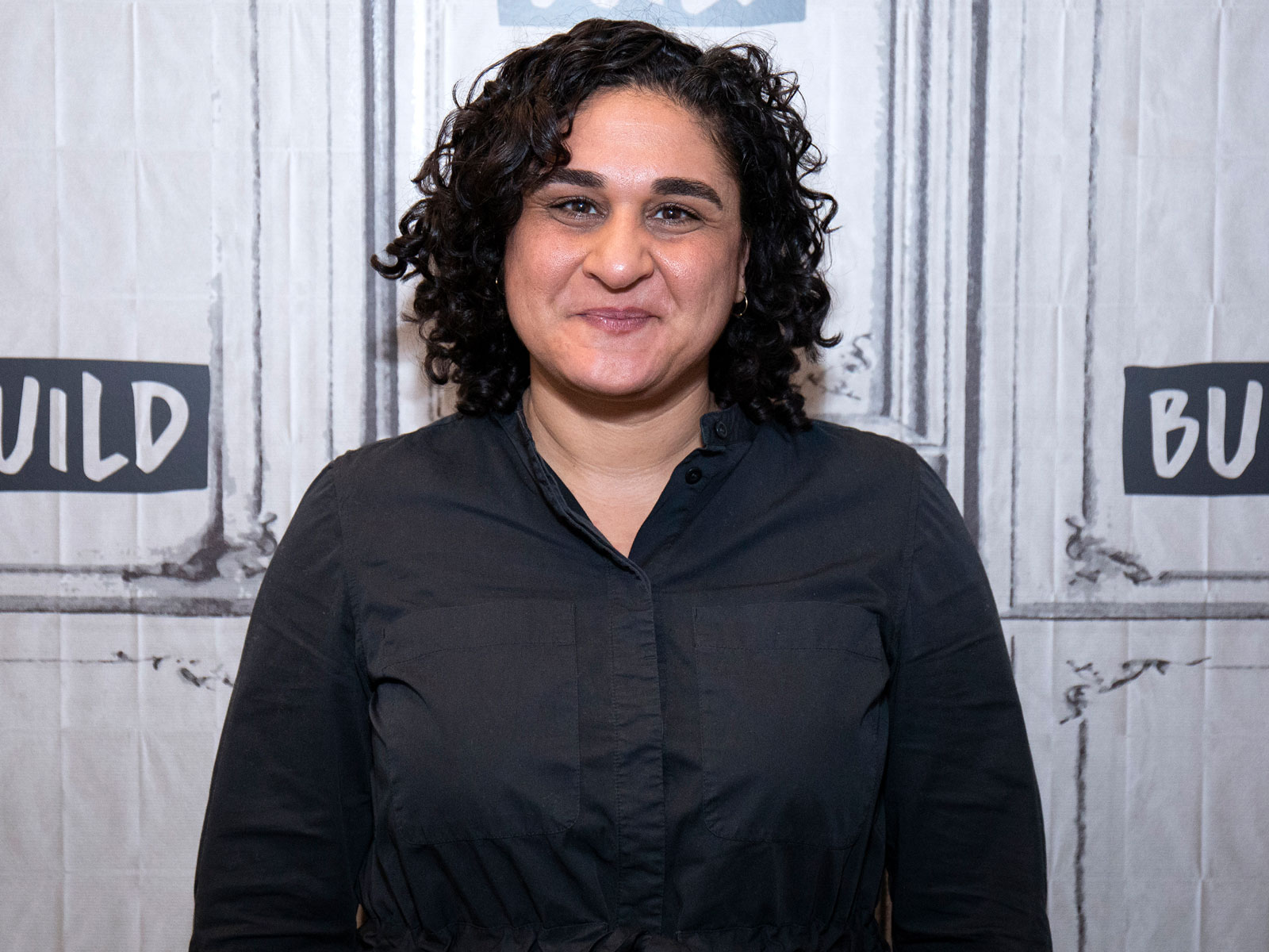 Watch Samin Nosrat Teach Jimmy Kimmel How to Make Pan-Fried Chicken