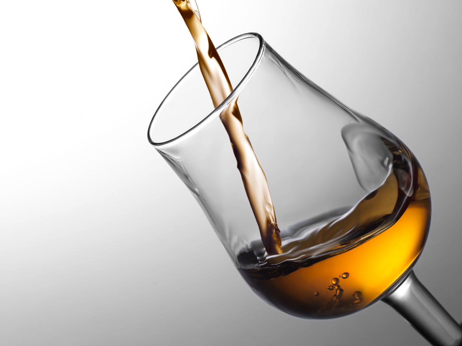 In the Future, Artificial Intelligence May Create All of Our Alcoholic Beverages