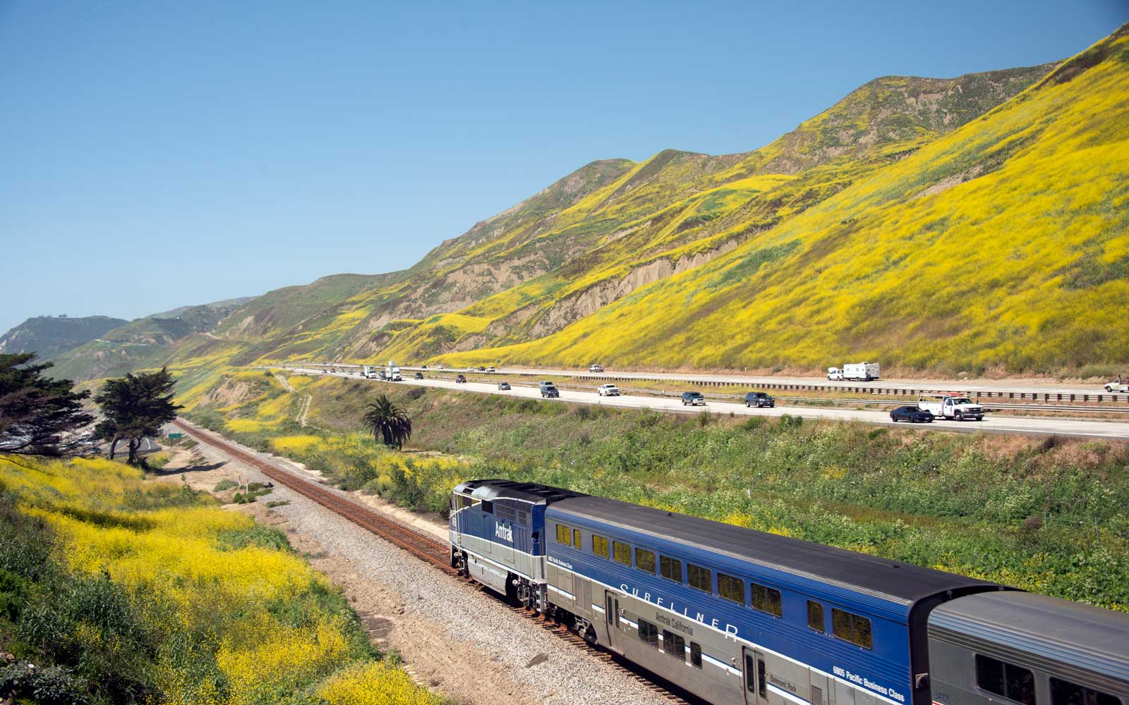 Amtrak Is Having a 2-for-1 Mother's Day Sale to Inspire You to Travel With Your Mom