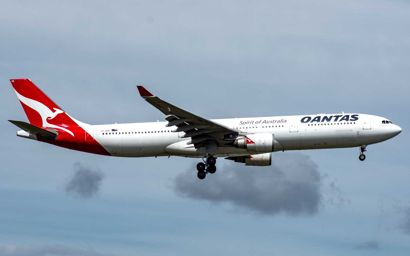 This Qantas Flight Will Produce Zero Landfill Waste — and Passengers Probably Won't Even Notice a Difference