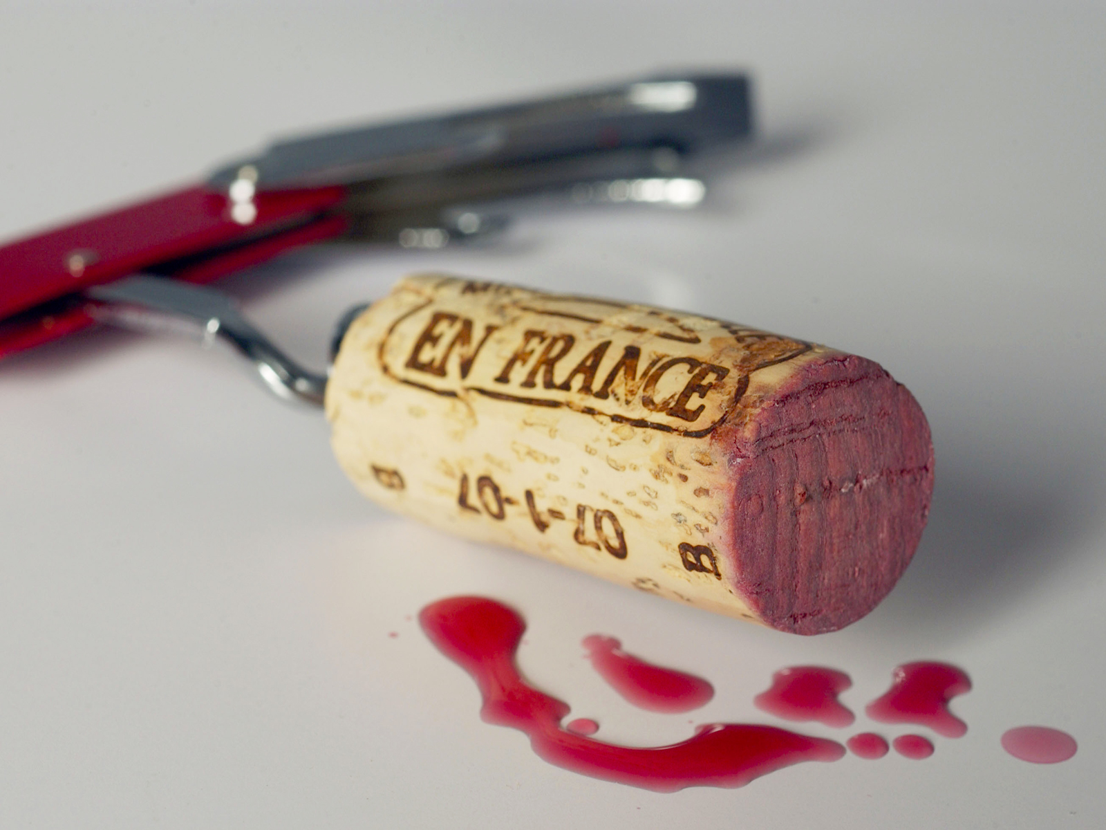 Americans Are Willing to Pay More for Wine With a Cork — Especially on Cheaper Bottles