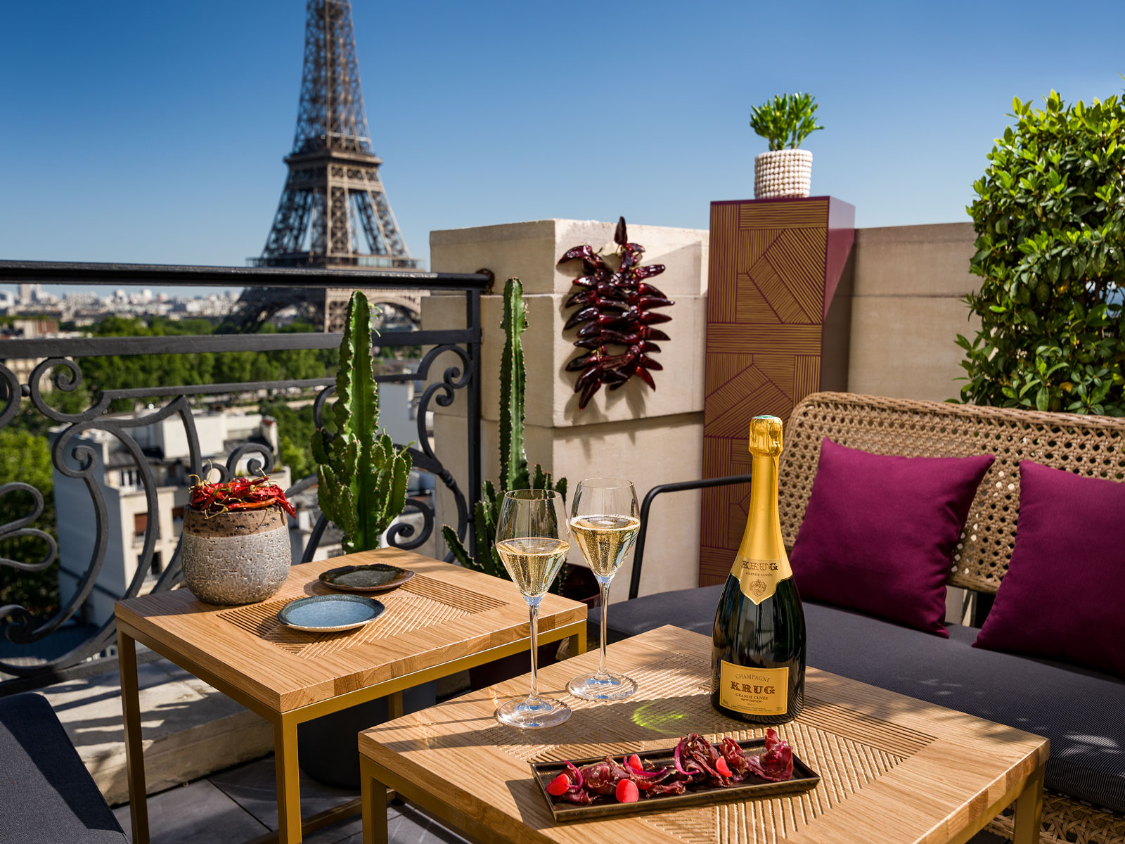 This Pop-Up Rooftop Bar Lets You Sip Champagne with Crazy Eiffel Tower Views