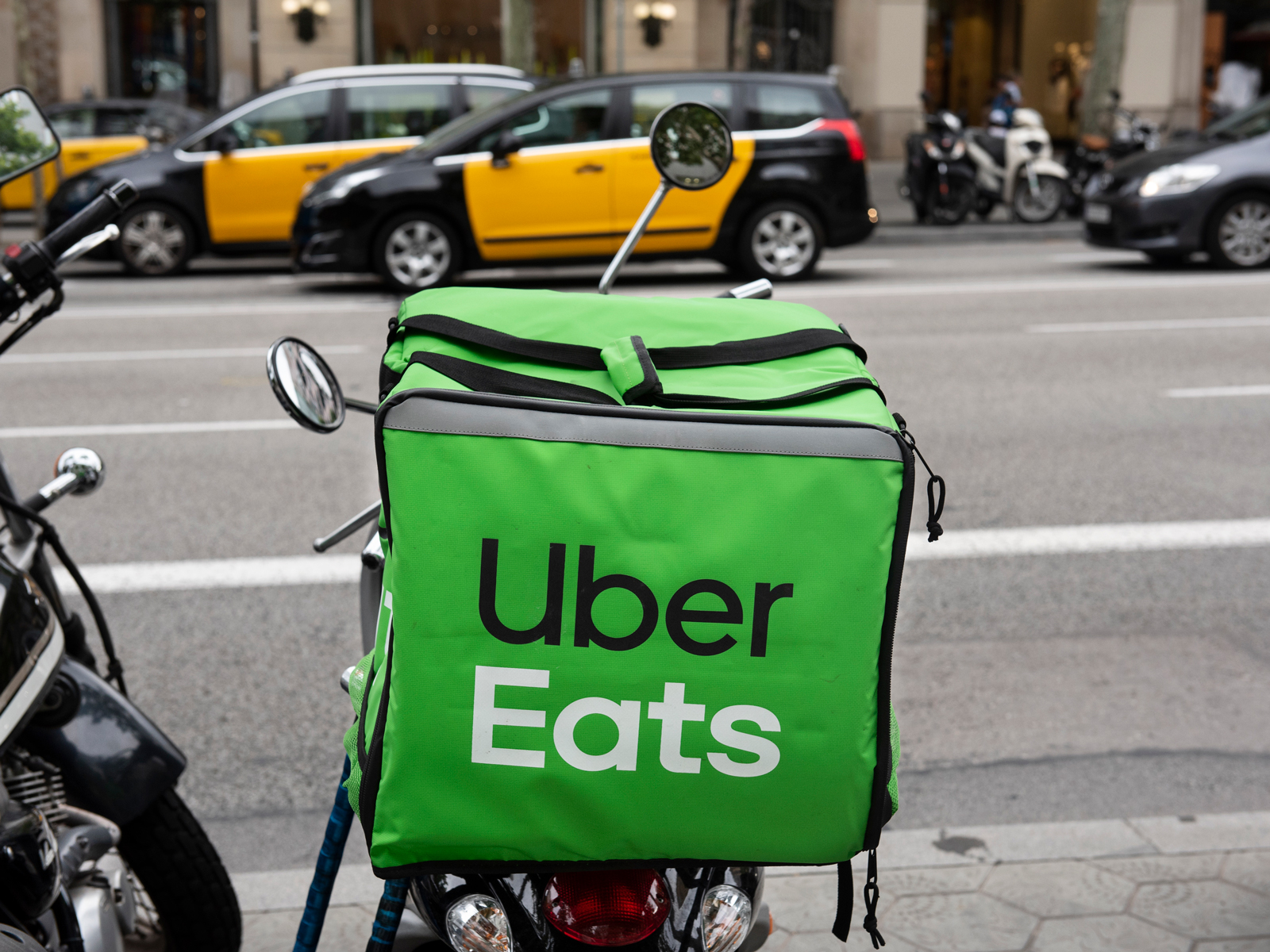 Setting Up a Fake Restaurant on Uber Eats Is Disconcertingly Easy, According to the BBC