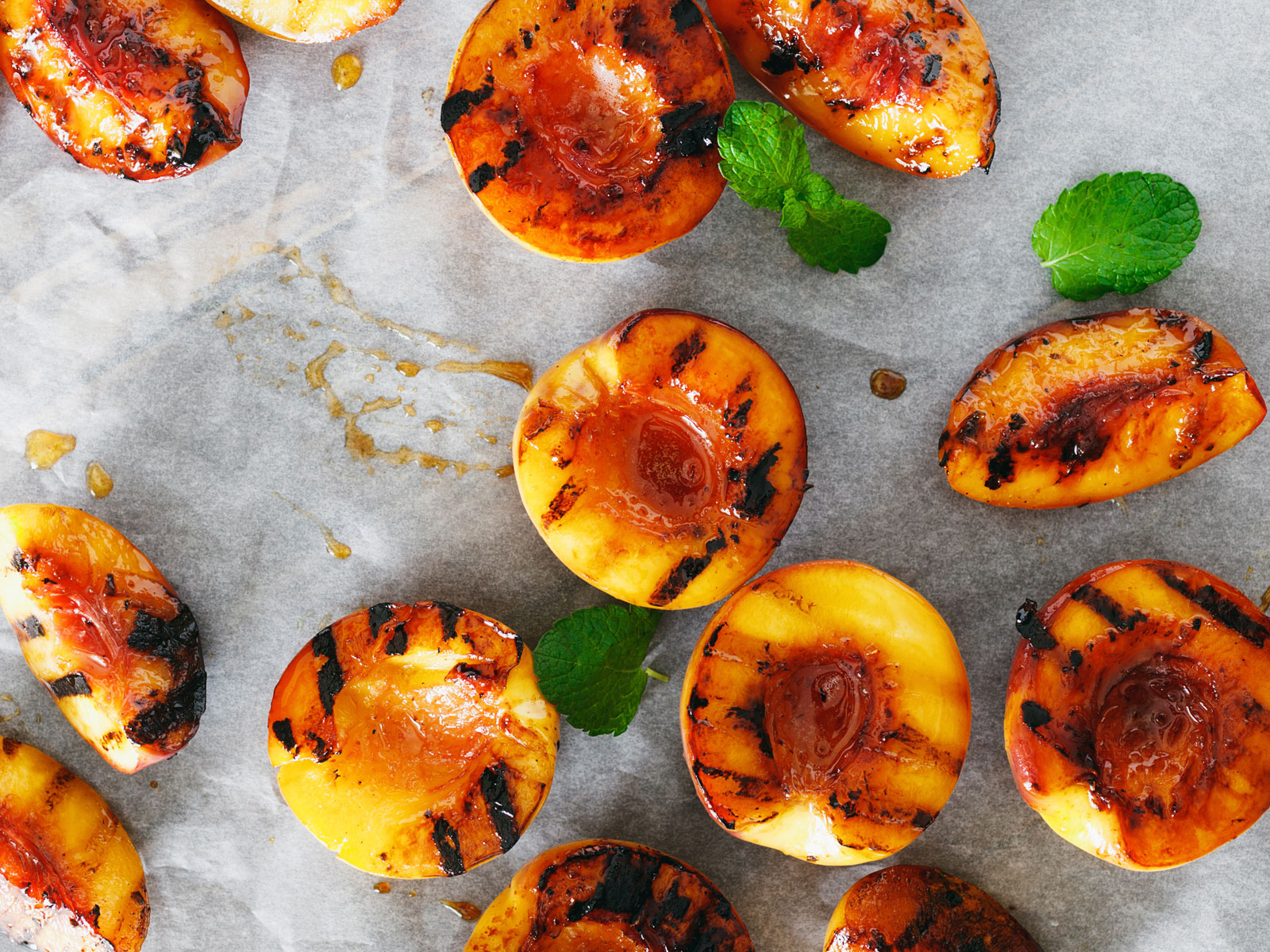 The One Mistake You Need to Avoid When You're Grilling Fruit