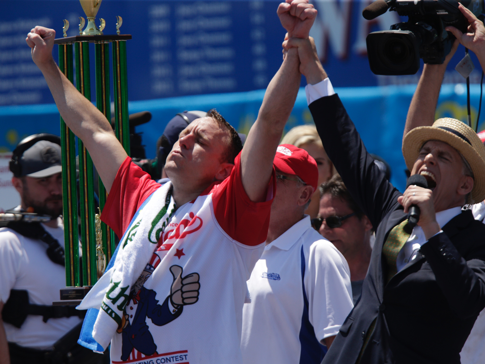 Nathan's Hot Dog Eating Contest Dominated by Repeat Champions in Non-Record-Breaking Affair