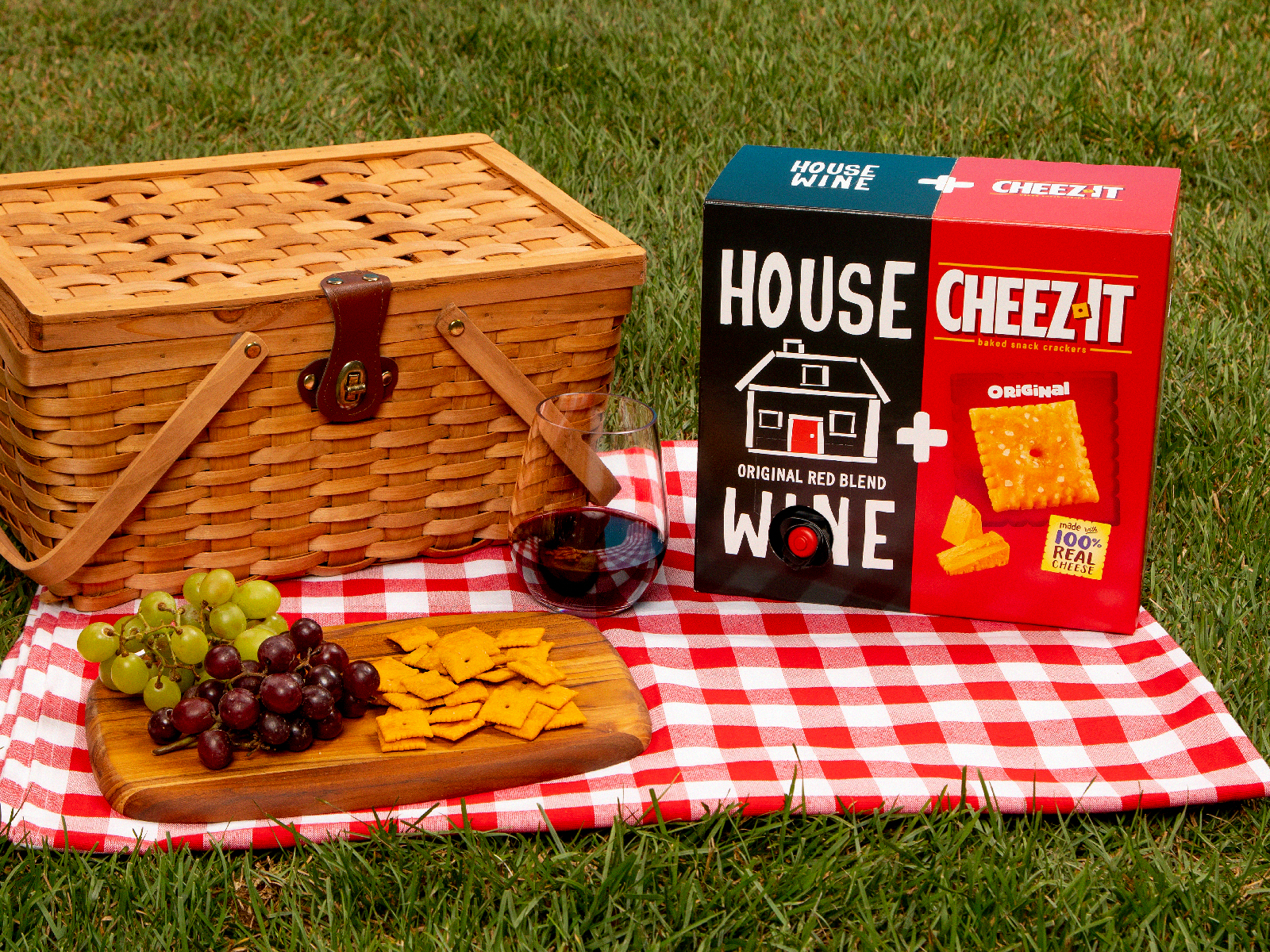 These 'Wine & Cheez-It' Pairings Include Crackers and Booze in a Single Box