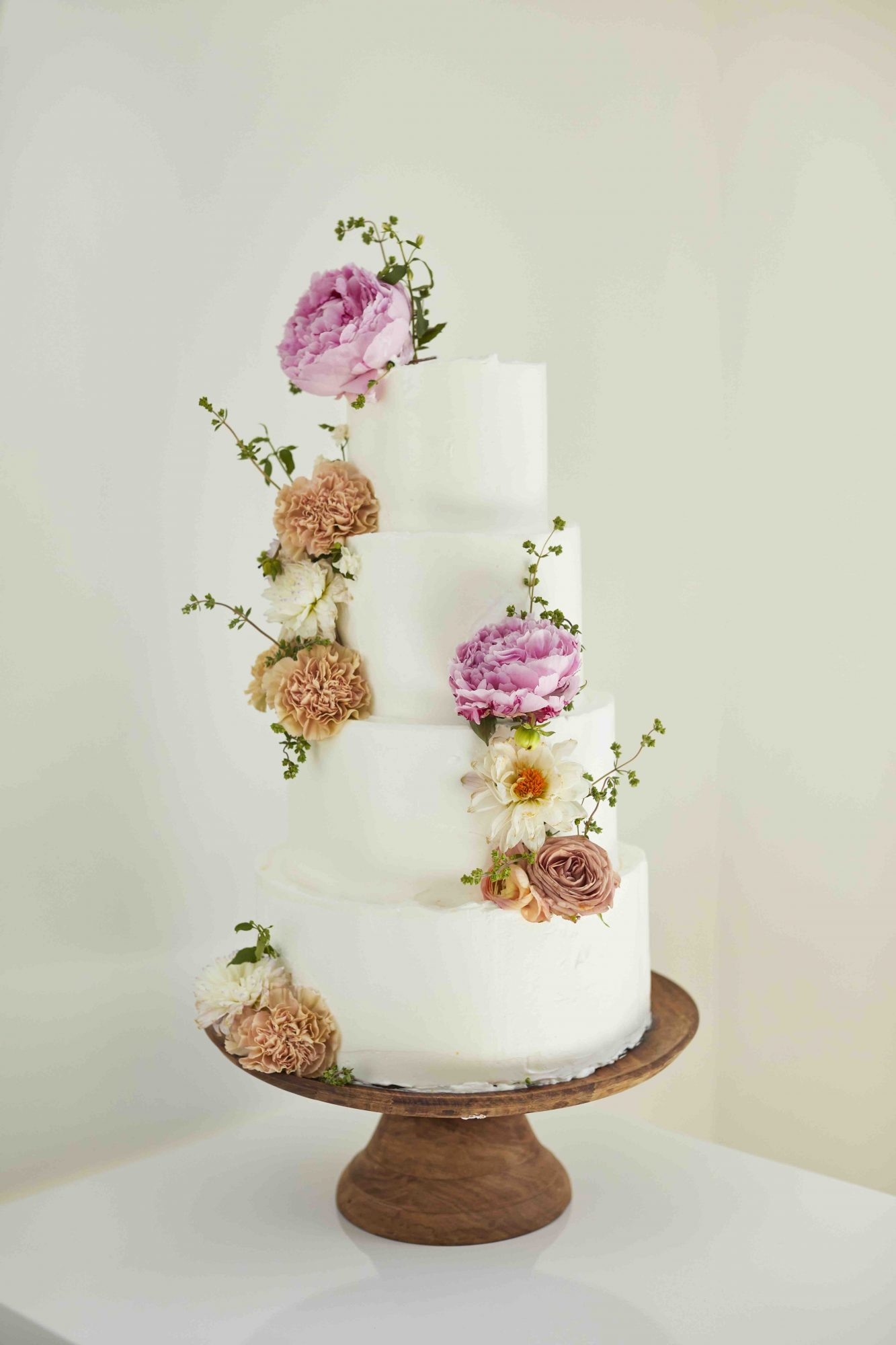 Julia Sullivan The Party Line Catering Wedding Cake