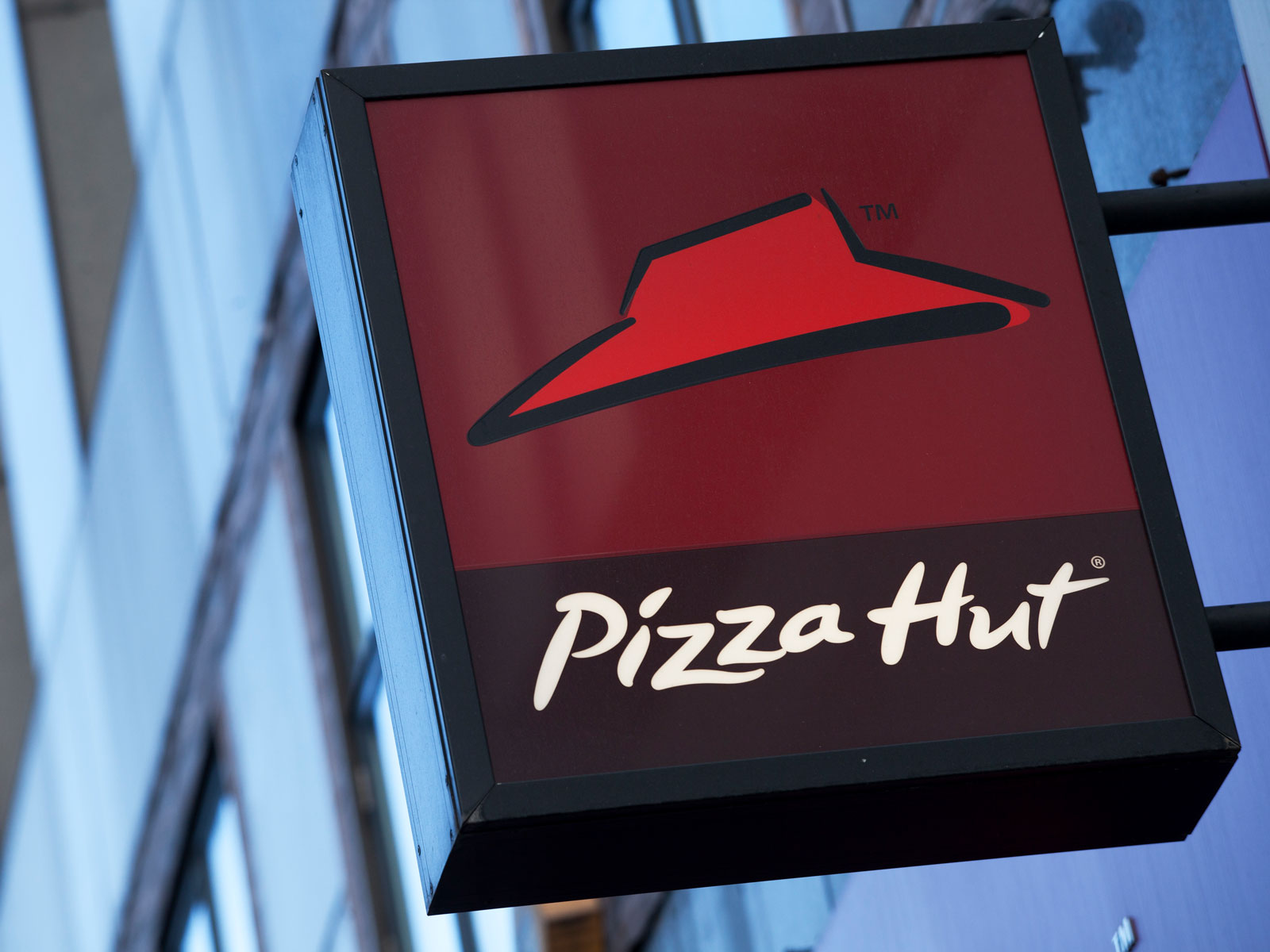 Pizza Hut to Close Hundreds of Dine-in Restaurants to Focus on Carryout Locations