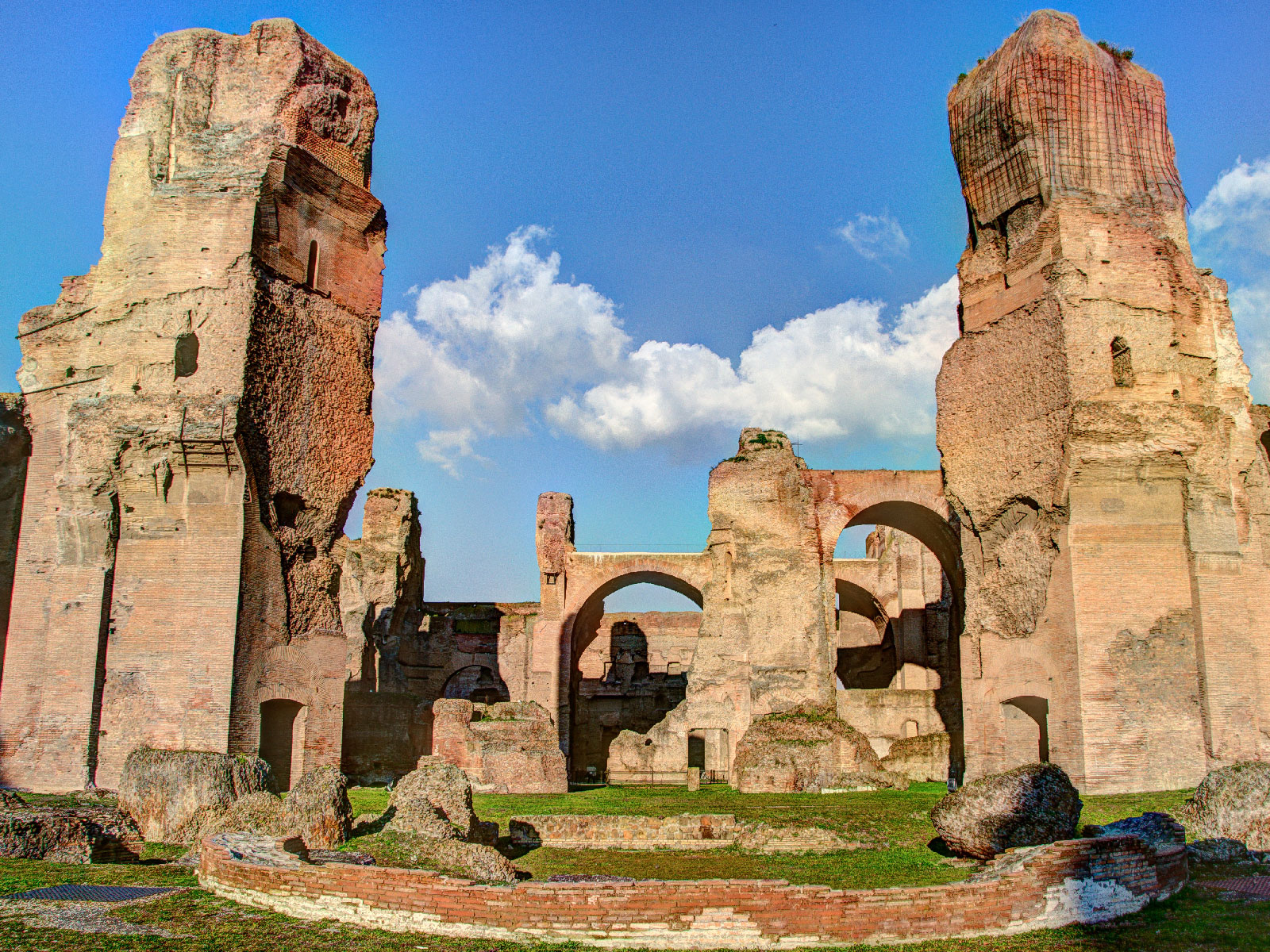 roma-baths-caracalla-mcdonalds-FT-BLOG0819.jpg