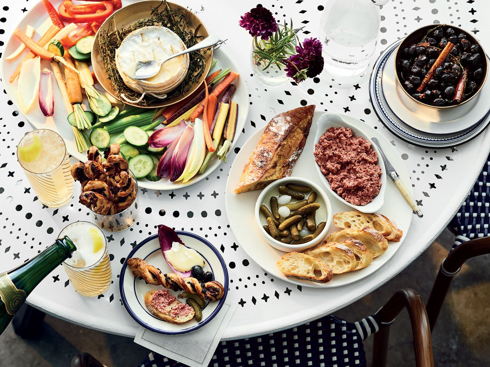 How to Host the Ultimate French Aperitif Party