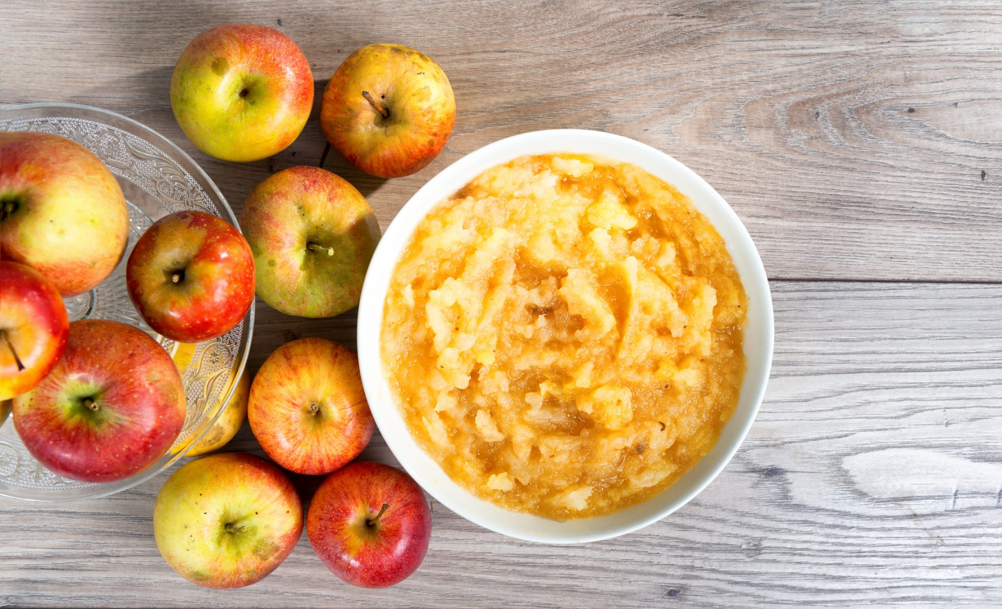 The Easiest Way to Make Applesauce at Home