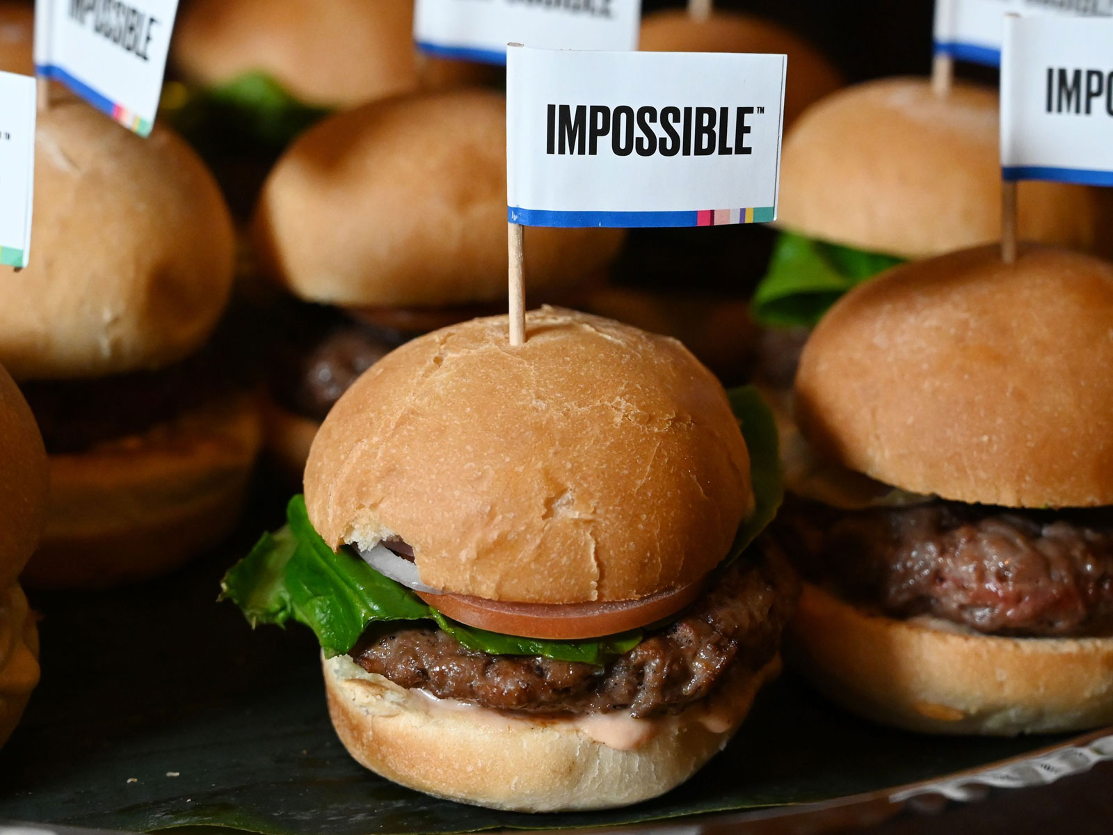 Impossible Burger to sell in grocery stores at select locations