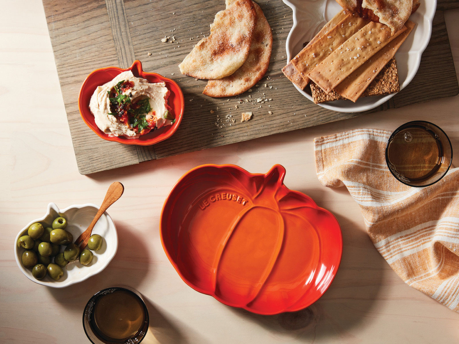 Le Creuset's Seasonal Line of Pumpkin-Themed Cookware Is Here—Starting at Only $15