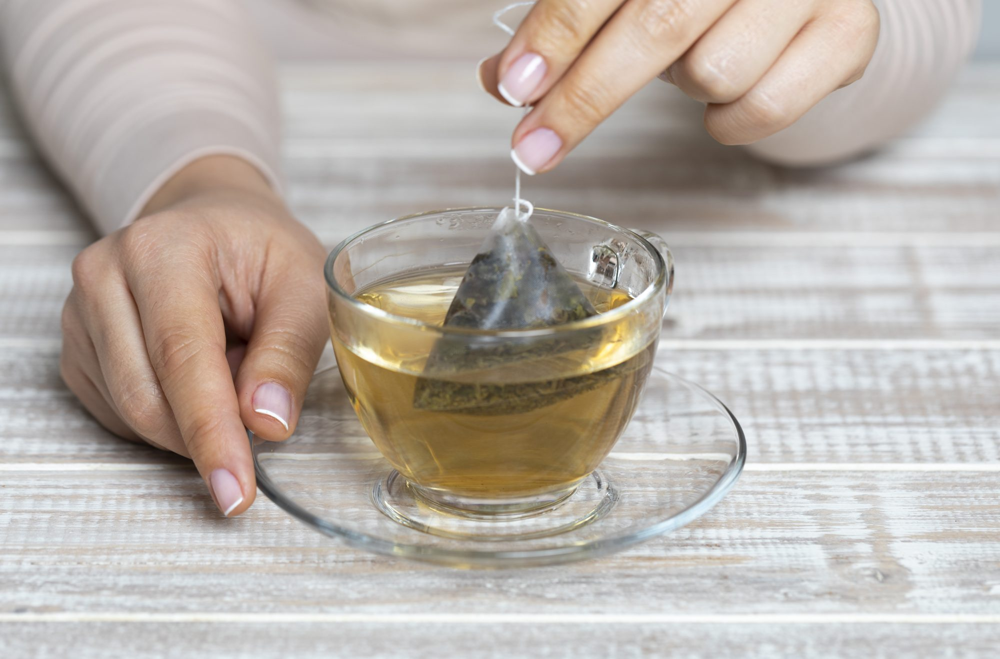 Dunking Tea Bags: Nervous Habit or Infusing Technique?