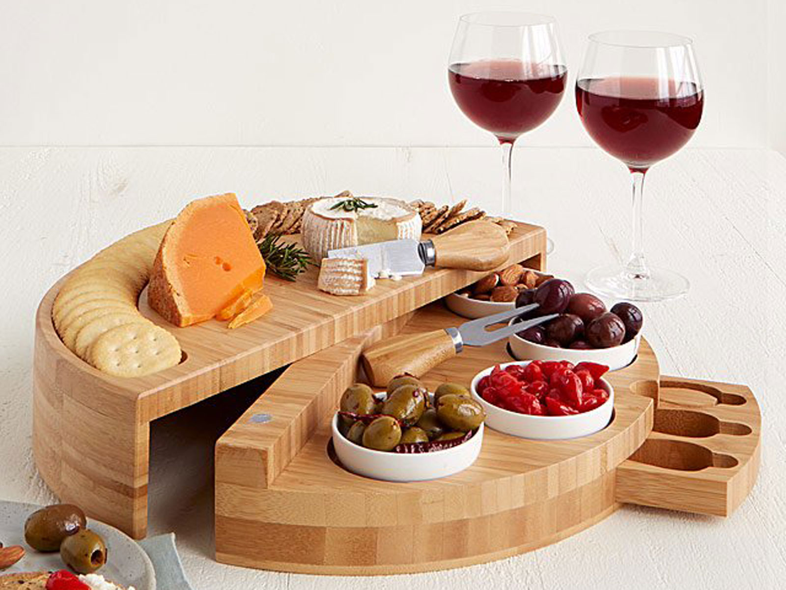 party host gifts board